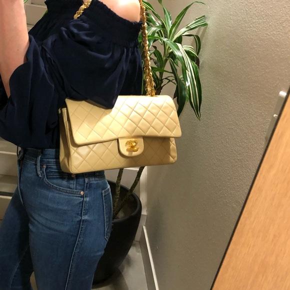 626b37321b8c CHANEL Handbags - Auth CHANEL Classic M/L Beige Lambskin Double Flap